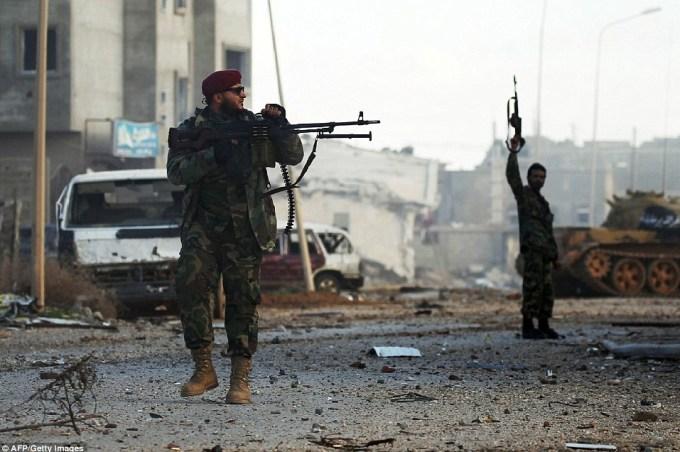 Líbyjská národná armáda zachytáva kľúčovú oblasť Južne od Tripolisu
