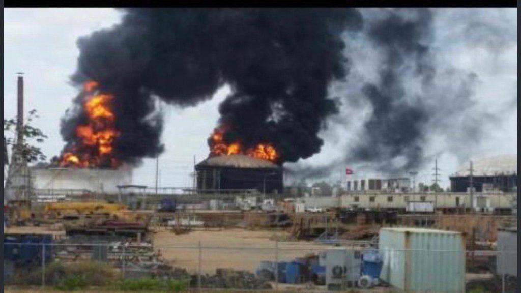 Vo fotografiách: Výbuchy vo Venezuele Petro San Felix Heavy Oil Project