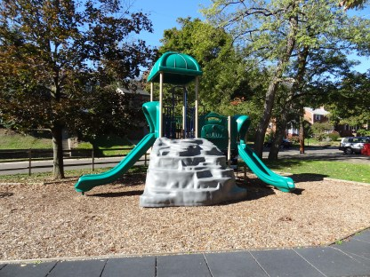 play structure, front