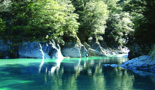 Bluepools-mt-aspiring-national-park-wanaka-new-zealand_004