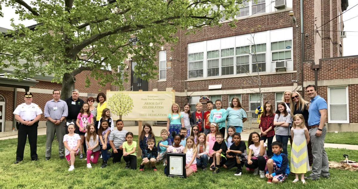 3rd Grade Alice Costello Students Celebrate Arbor Day With Special Guests & Tree Dedication