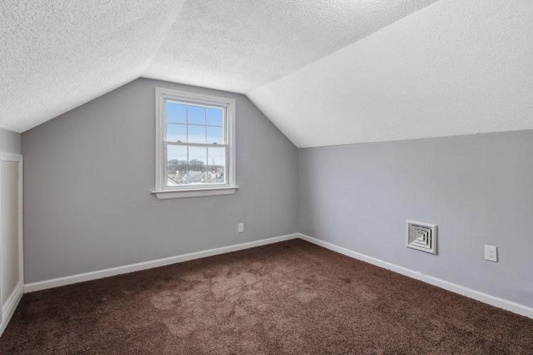 2nd floor bedroom at 470 Dickinson