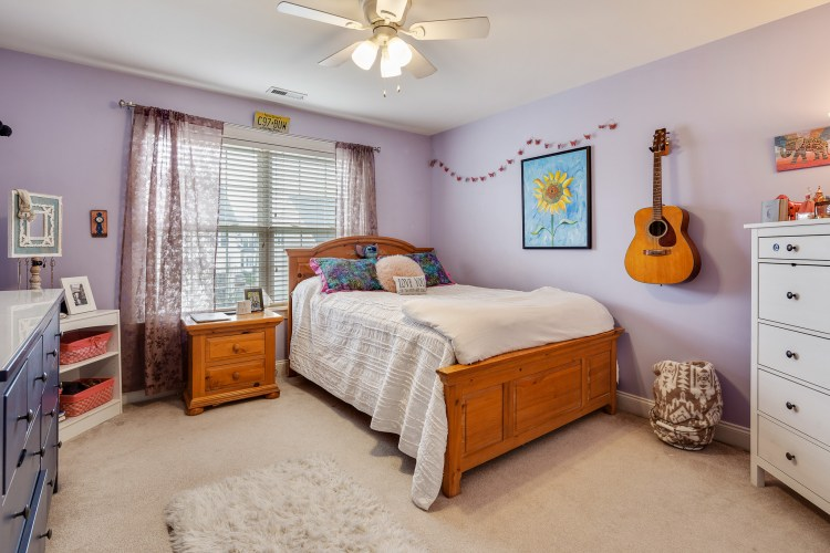 Bedroom of 635 Bainbridge in purple