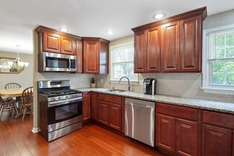 kitchen of 38 Pennsylvania Avenue Stratford