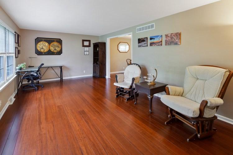 Living room of 38 Pennsylvania Ave Stratford