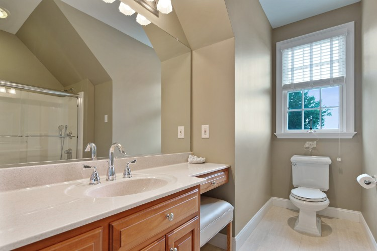 Princess suite bathroom 200 high street mullica hill
