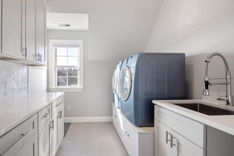 9 Chestnut Court Laundry Room