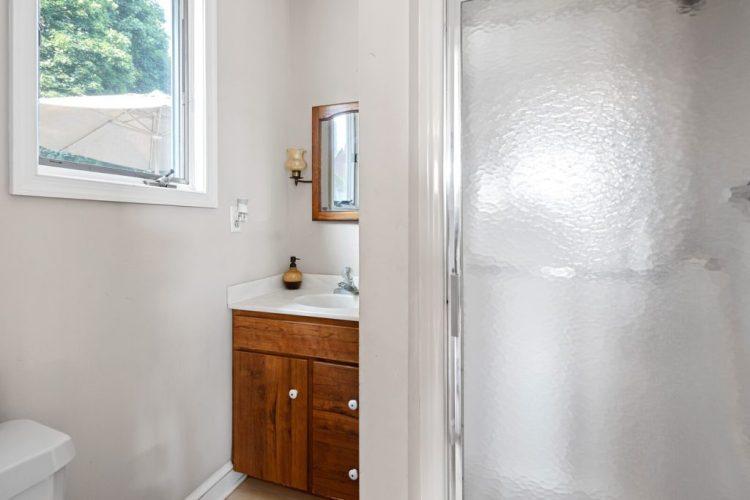 97 Compromise Road Mannington NJ bathroom