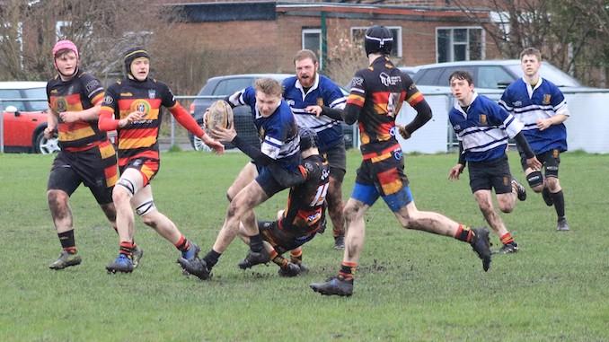 Asa Bottomley on the move for Heaton Moor