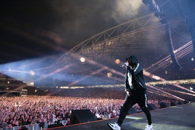 Eminem smashes the attendance record at Melbourne Cricket Ground in Australia
