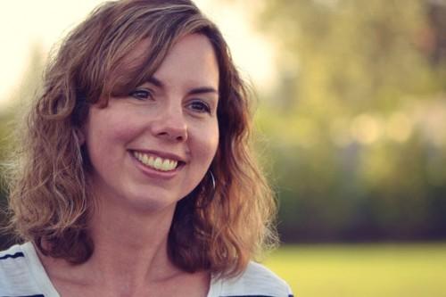 Elizabeth Faulkner - Profile Pic
