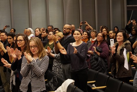 s-seattle-emerald-people-applaud-after-vote-2