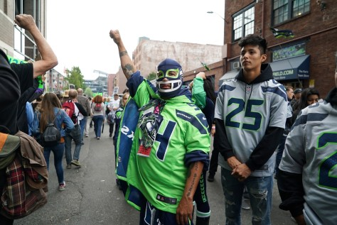 seahawks fans respond Bennett March