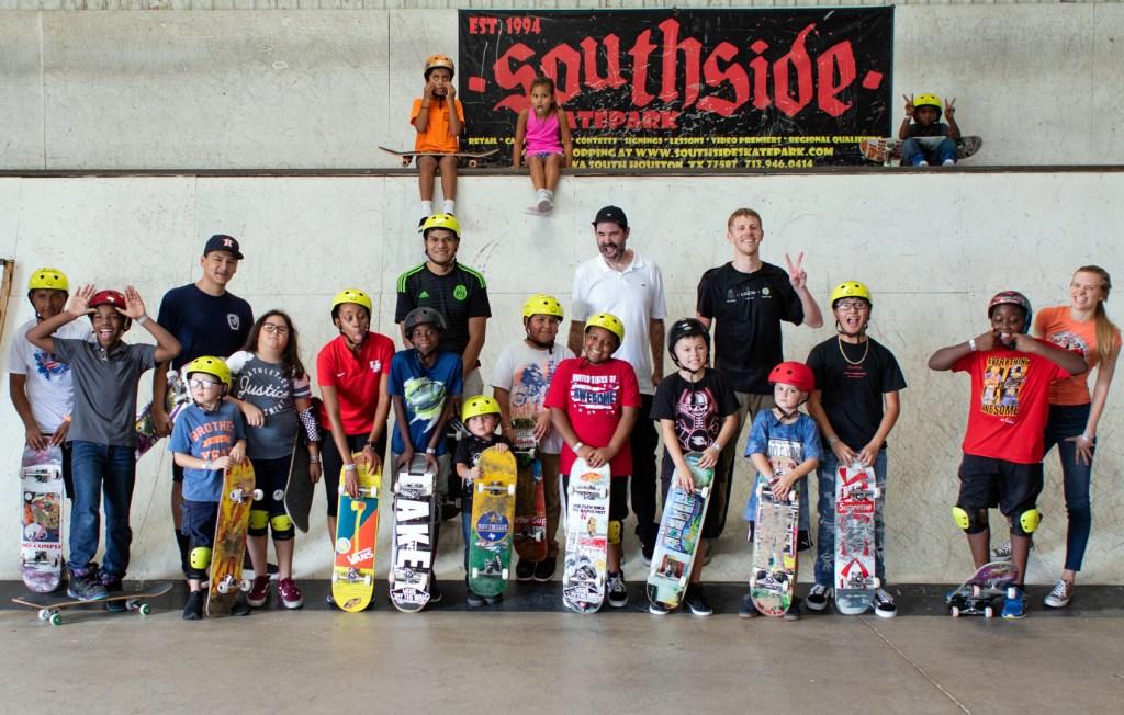 boards-for-bros-vans-give-back-event-southside-skatepark-group-photo-jose-h-martinez