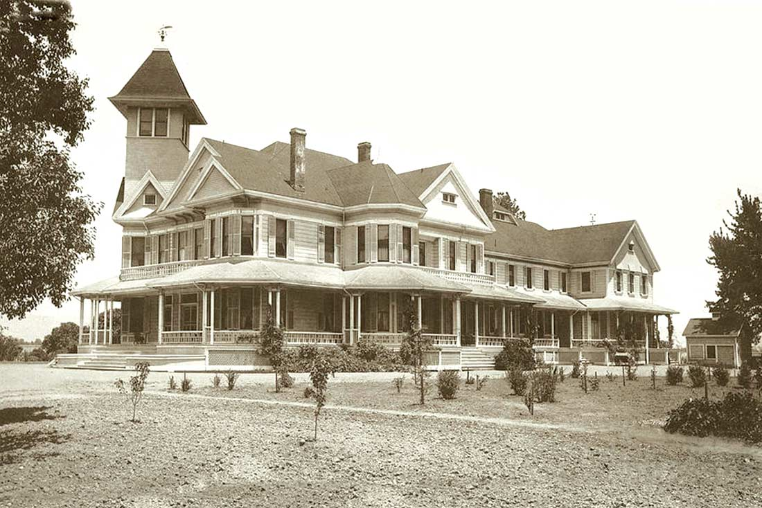 Bloomfield-Home-ca.-1896-(1)