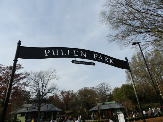 Pullen Park Dinner and a Movie Series