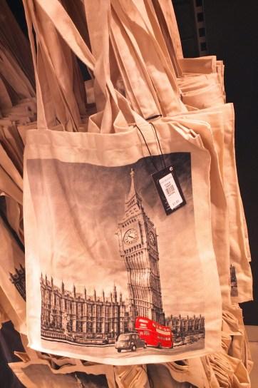 Top Frugal London Souvenirs
