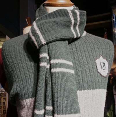 Harry Potter slytherin sweater Harry Potter gift souvenir shop Platform 9 3/4 London Kings Cross