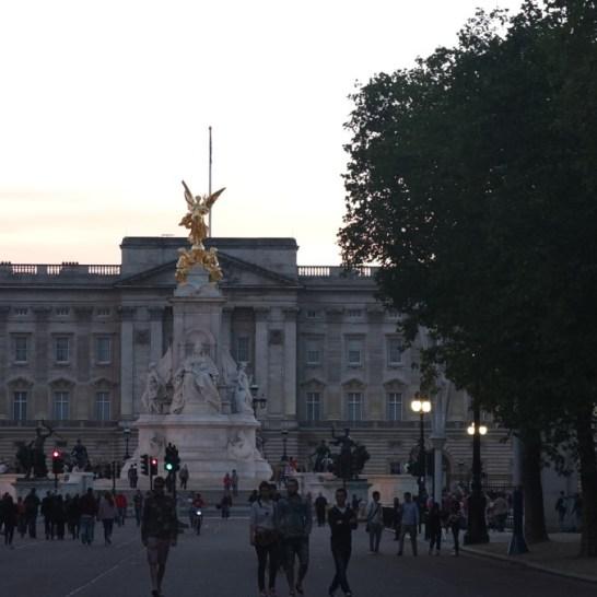 buckingham palace london sunset dusk evening