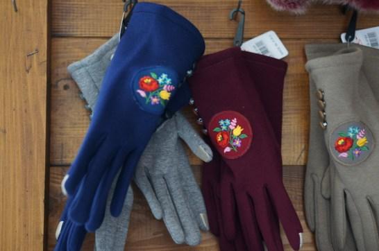 budapest souvenir hungarian embroidery gloves handmade craft christmas market fair