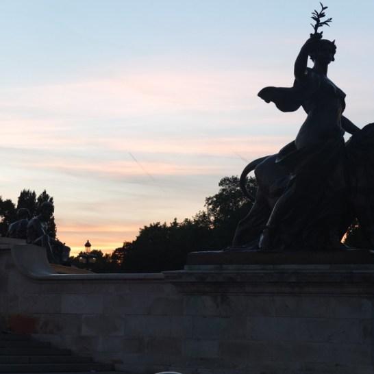 buckingham palace dusk...