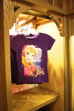 Princess Anna t-shirt in purple
