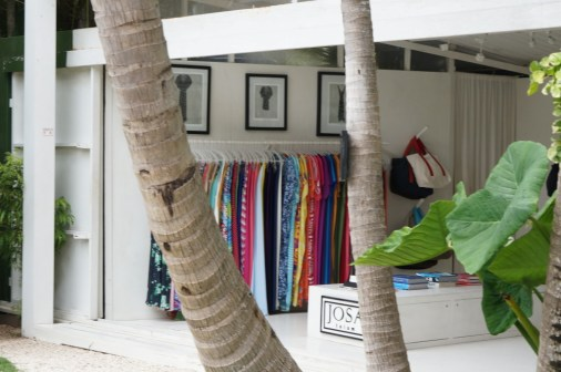 Open air shopping at Josa Tulum.