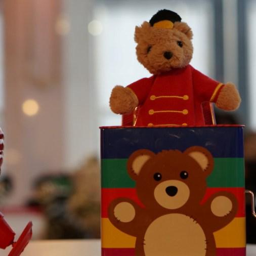 FAO Schwartz NYC toys kids plush stuffed animal bear in a box jack in a box