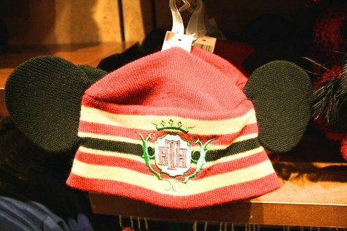 Worried it's too chilly to wear your Mickey Mouse ears? The wooly cap with mouse ears is the perfect solution.
