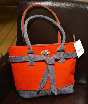 Shopping Austrian Wool Bag Red