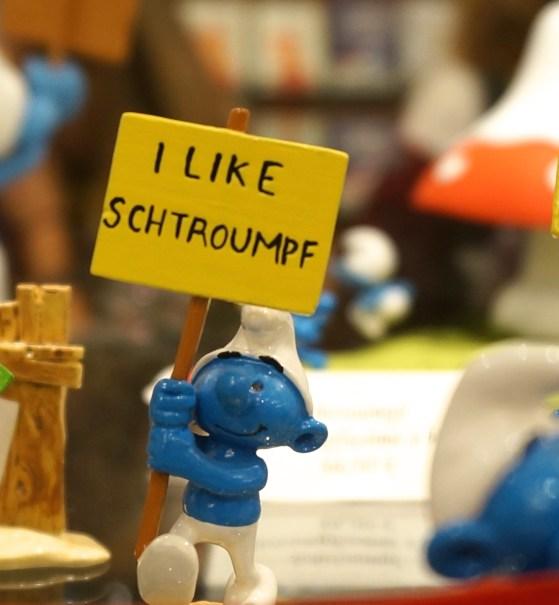 Comics Brussels Belgium Souvenir Shopping Smurg Figurine
