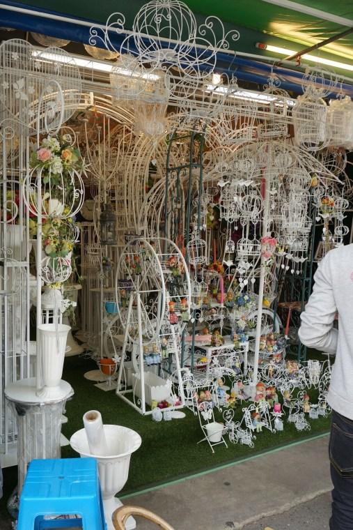 Thailand Souvenirs Thai What To Buy Shopping Thailand Market Bangkok Chatuchak Jj Stall Vendor Bird Cages