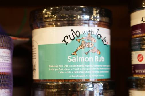 Salmon spice rubs are another best Seattle souvenir option.