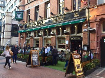 Bruxelles in Dublin, a big hangout for musicians, including Thin Lizzy frontman Philip Lynott