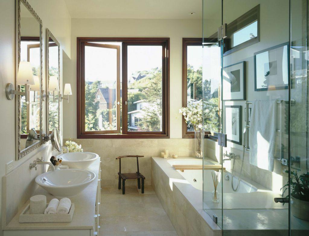 дизайн ванной комнаты с окном 5