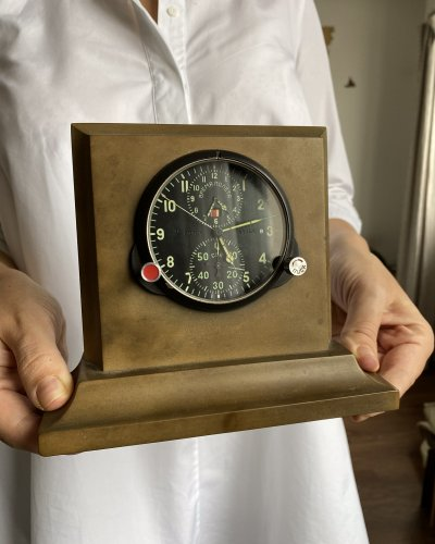 Horloge de Cockpit – Socle Bakélite – numéro 48708