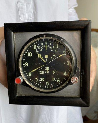 Horloge de Cockpit – Socle – numéro 04991