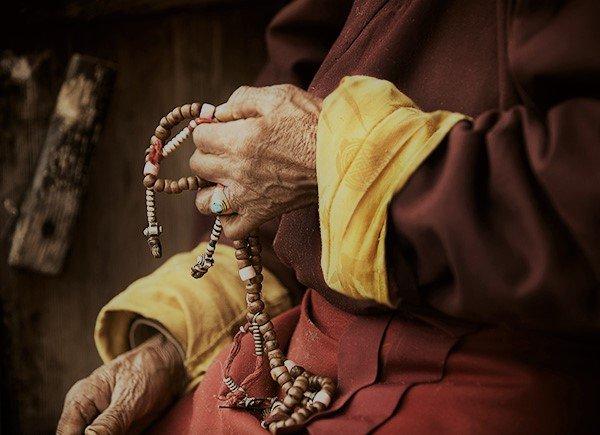 Calmare la mente e aiutare il corpo: il Mantra Healing