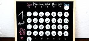 夏休みの工作ペットボトルキャップでカレンダー