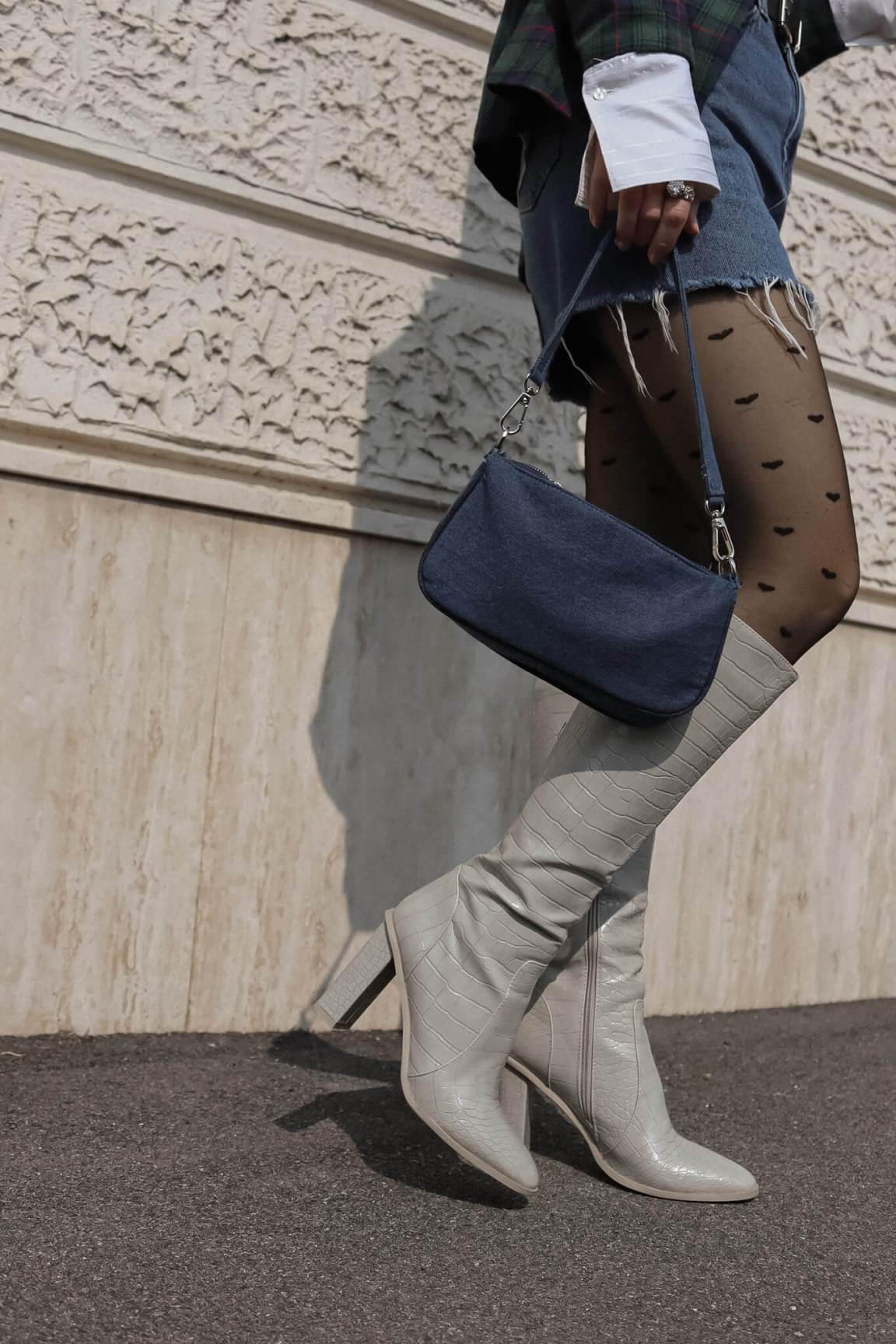 denim-skirts-soybell-isabell-zanoletti-high-boots-denim-bag
