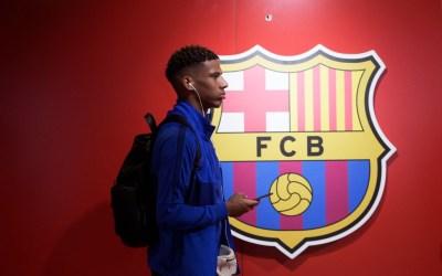 El Milan negocia con el Barcelona por Todibo