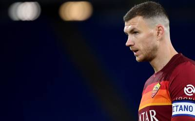 Edin Dzeko se queda en la Roma hasta final de temporada