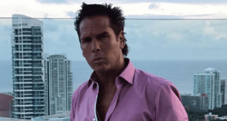 Roberto Palazuelos llama 'indios' a los tuiteros