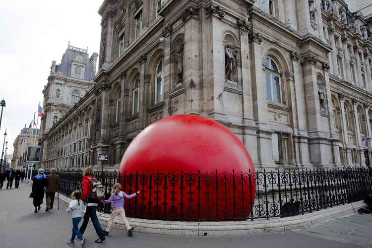 RedBall Project Paris Hotel de ville