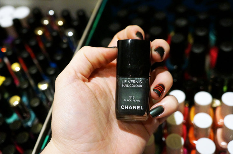 Black Pearl Chanel 513 striping tape