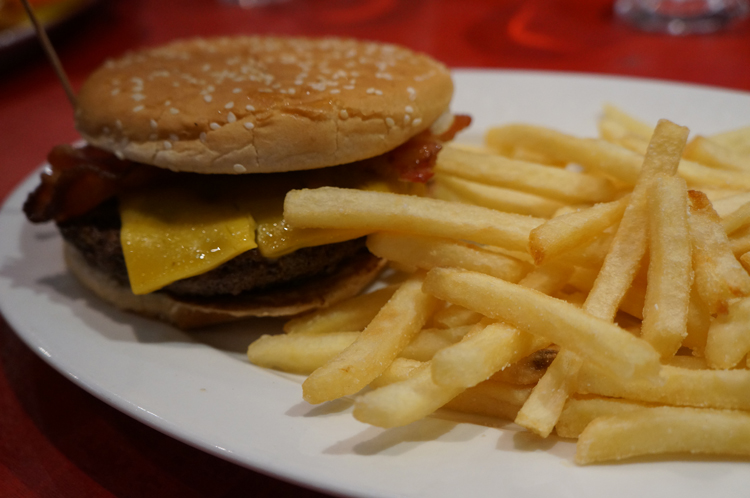 Planet Hollywood Disney Paris avis burger