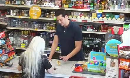 Magic Clerk: El mago que se queda con los clientes de un supermercado