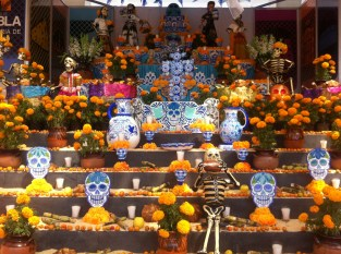 Ofrenda with many levels
