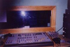 Año 1996. Control de sonido de mi primera radio Onda 22 .