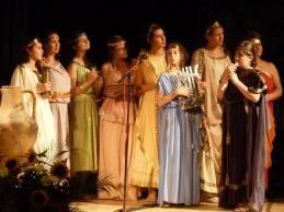 Сдружение за Бългро - Гръцко Приятелство изнесе спектакъл - концерт посветен на любовта и почитанието към родния град, неговите традициите и обичаи
